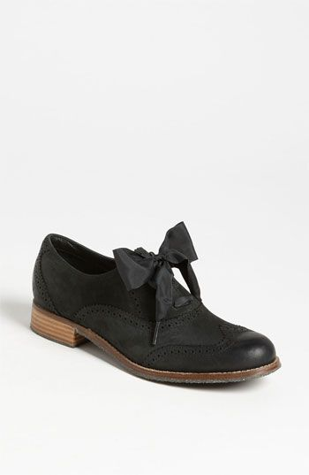 Sebago 'Claremont' Oxford available at #Nordstrom I have been looking for these everywhere! CUTE