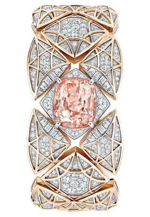 Une montre à secret Les Eternelles de Chanel