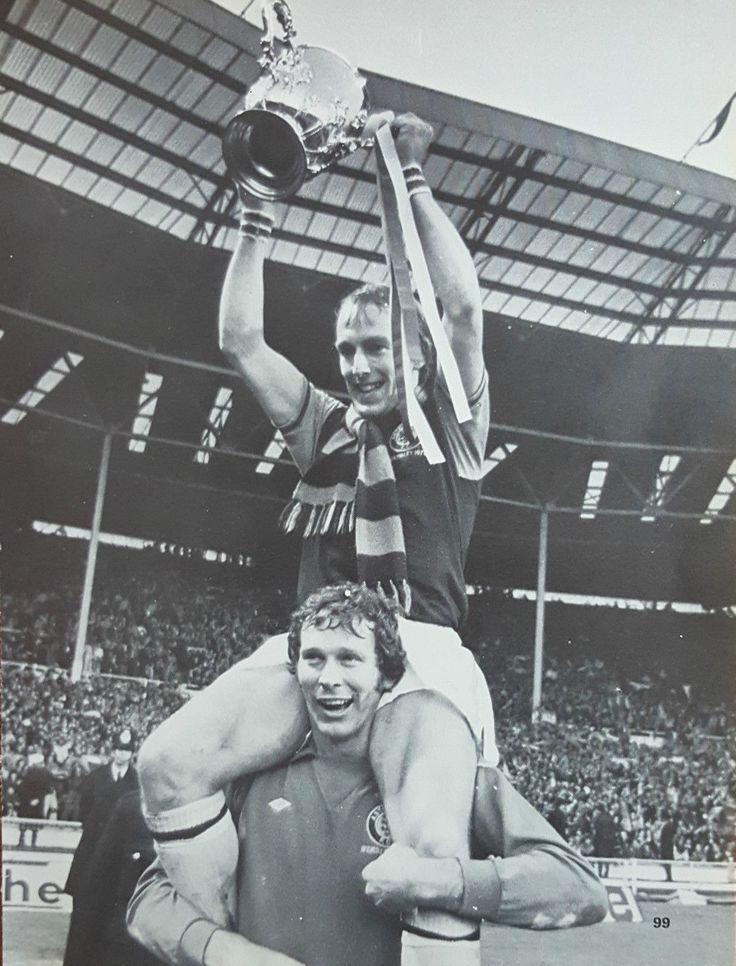 Ray Graydon & Jimmy Cumbes Aston Villa League Cup Winners 1975