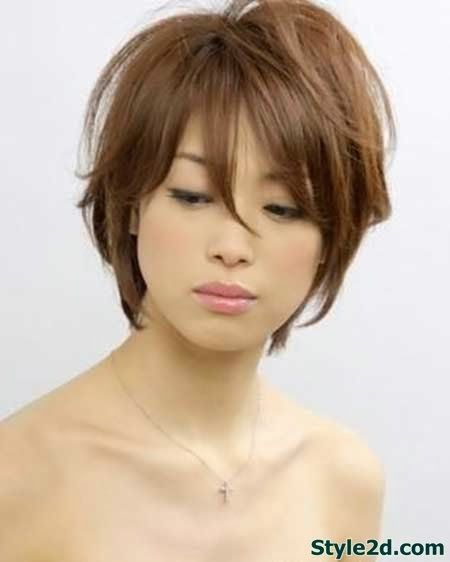 Short styles women inverted hairstyle img60cb7f0b6f6857885