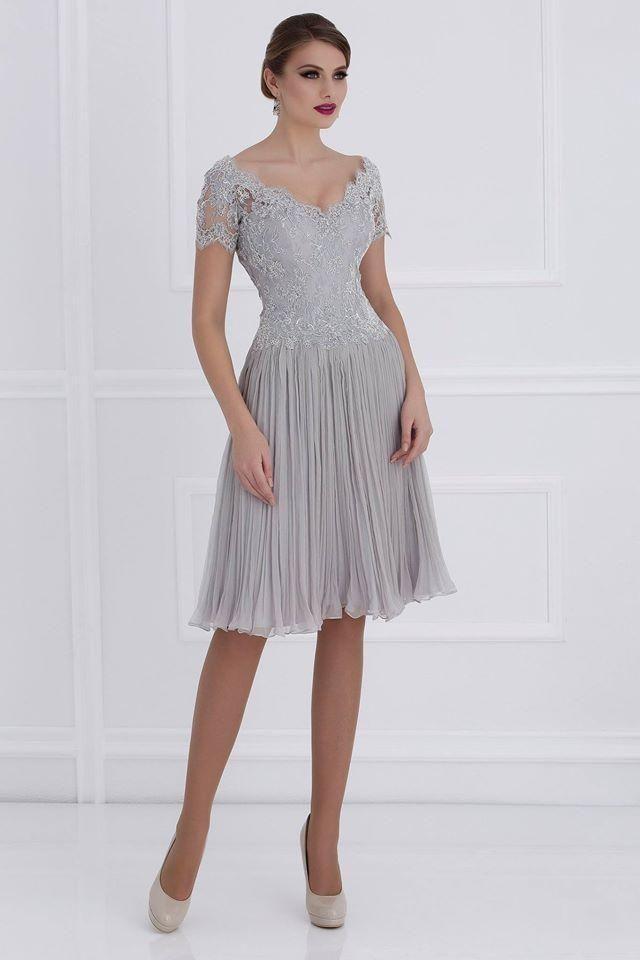 Madre de los vestidos de novia vestidos de cuello en V de manga corta de longitud de la rodilla vestidos de fiesta plisados gasa más vestidos de novia de los vestidos formales