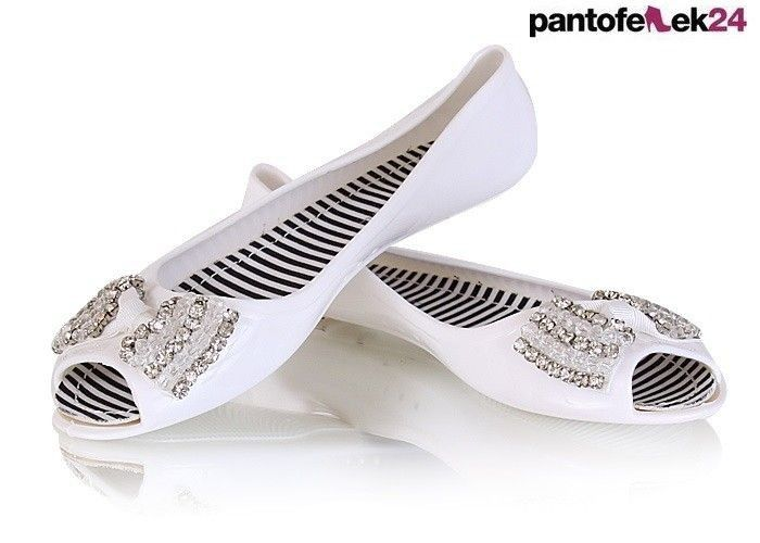Białe baleriny  / White ballerines  / 19,50 PLN #fashion #white #ballerines #spring #summer #wiosna #lato