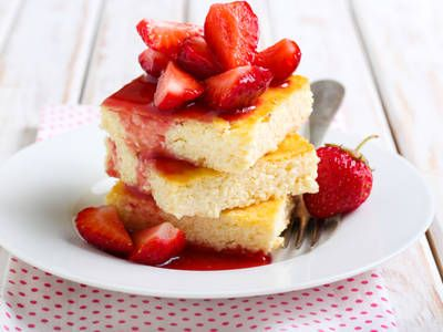 Creamy Strawberry Cheesecake Bars
