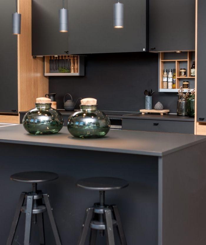 Les 25 meilleures id es de la cat gorie cuisine noir mat - Comptoir central d electricite perpignan ...