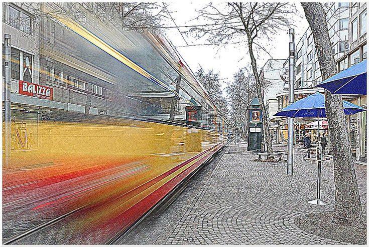 (c) Michael M. Roth, MicialMedia // Karlsruhe, Kaiserstraße // Exposure: 0,5s (using image stabilizer, no tripod) // Impressionistic version.