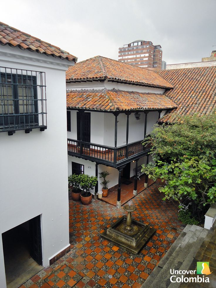 One of the interior patios in the Museo Botero