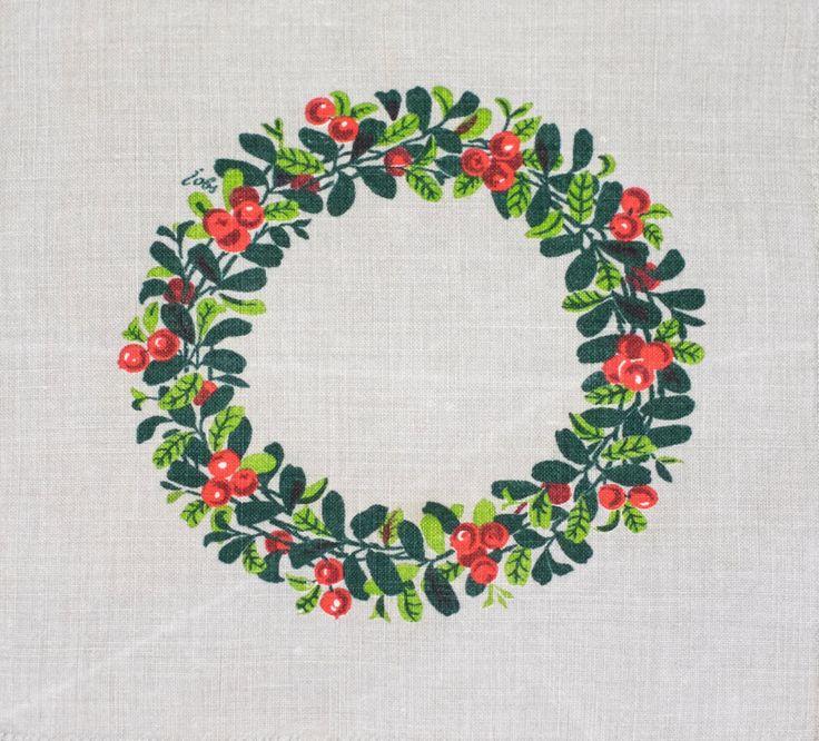 Vintage Scandinavian Christmas Tablecloth by Gocken Jobs Green & Red Lingonberrie Wreath Swedish Mid Century Modern Textiles Xmas Doily (100.00 SEK) by Wohnstadt