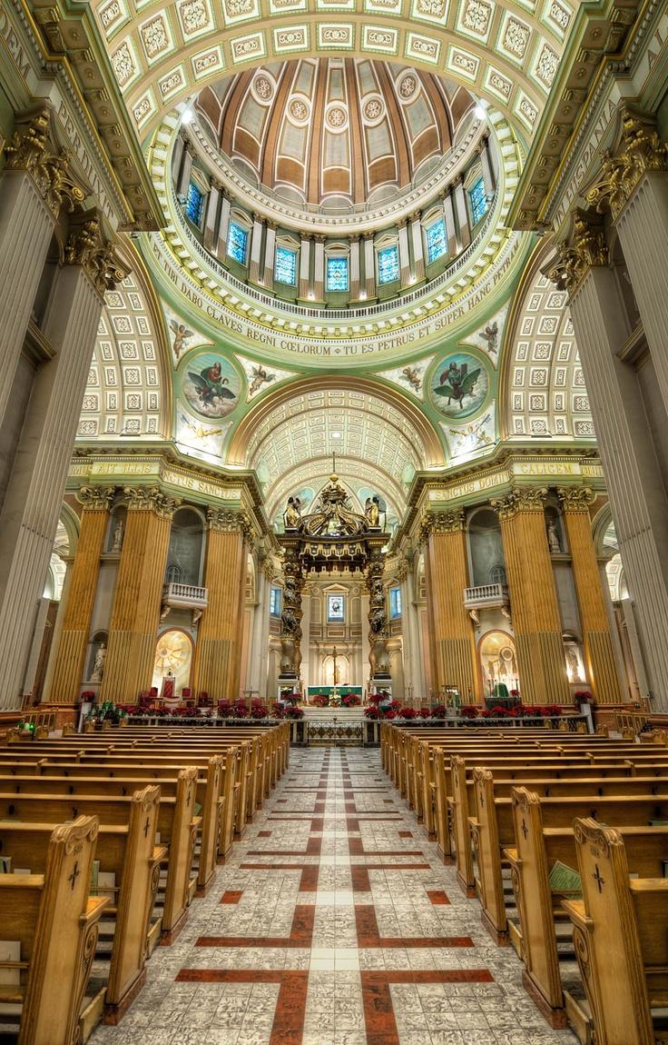 Marie Reine du Monde Interior and Altar in Montreal