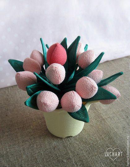 Купить или заказать тюльпаны из ткани, светлый букет в интернет-магазине на Ярмарке Мастеров. Тюльпаны из ткани нежной светлой расцветки подарят весеннее настроение, украсят любой интерьер, никогда не завянут, оригинальный подарок женщине, девушке, девочке на День рождения и 8 марта. Количество цветов в букете и цветовая гамма могут варьироваться. Работа добавлена в коллекцию 'Розовые тюльпаны' www.livemaster.ru/gallery/777975-rozovye-tyulpany и в коллекцию 'Натурелла' www.livemaster.