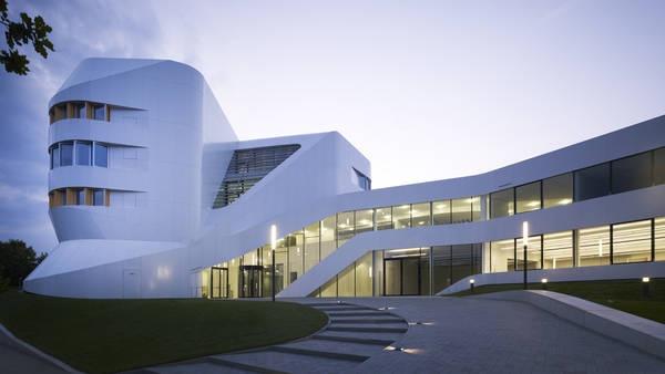 Ben van Berkel Fraunhofer-Institut Stuttgart Photo by Christian Richters Einstein-Turm !