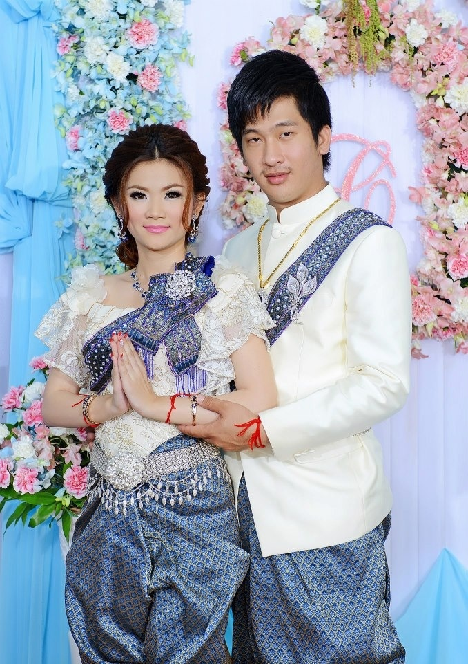 69 best cambodian traditional wedding costumes images on for Laos wedding dress for sale