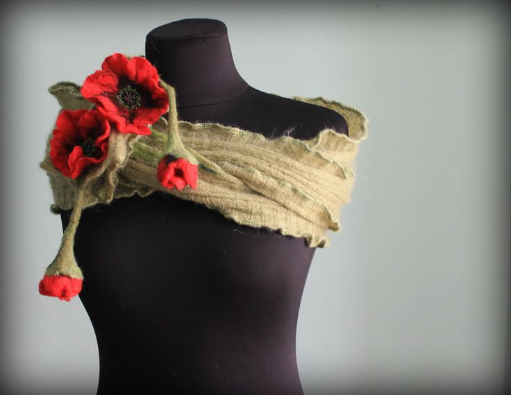 red poppies, felted 3D flowers, felting, scarf