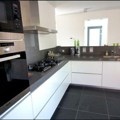 Dik keukenblad met achterwand