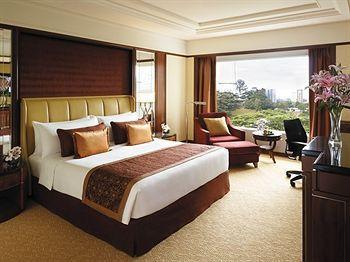 Kembali, jaringan hotel Shangri-La masuk dalam daftar hotel terbaik di Malaysia. Shangri-La Hotel di Kuala Lumpur terpilih sebagai hotel terbaik berkat lokasinya yang strategis, desain hotel yang elegan dan modern, serta fasilitasnya yang lengkap. Gak bakal nyesel kalo nginep disini! Yuk! http://www.voucherhotel.com/malaysia/kuala-lumpur/