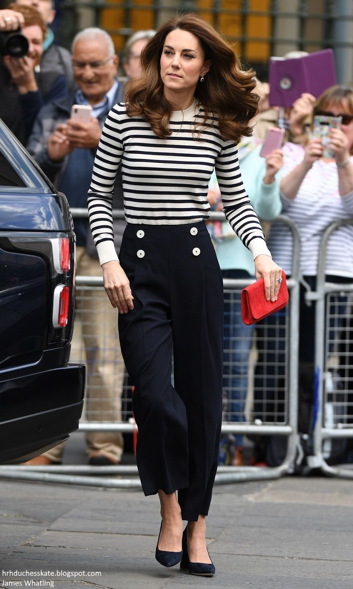 Duchess Kate Kate S Nautical Chic For The King S Cup Regatta Launch Excited To Meet Baby Sussex Middleton Style Nautical Chic Kate Middleton Style