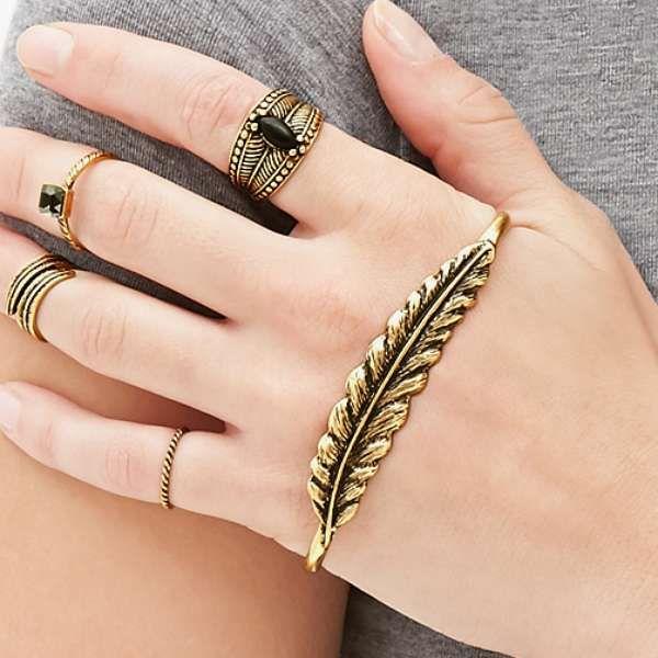Accesorios súper chic: anillos, collares y aretes de moda