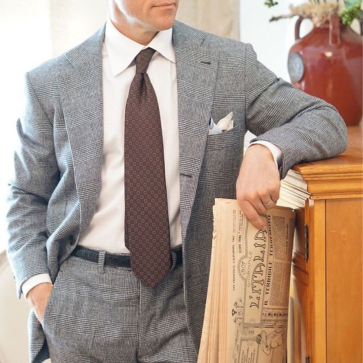 Want to drape yourself with the same fabrics favored by the likes of Fred Astaire, Cary Grant, and Winston Churchill? Read on to learn all about the charm of one of the oldest - and finest - suiting materials available: flannel! Link in bio.