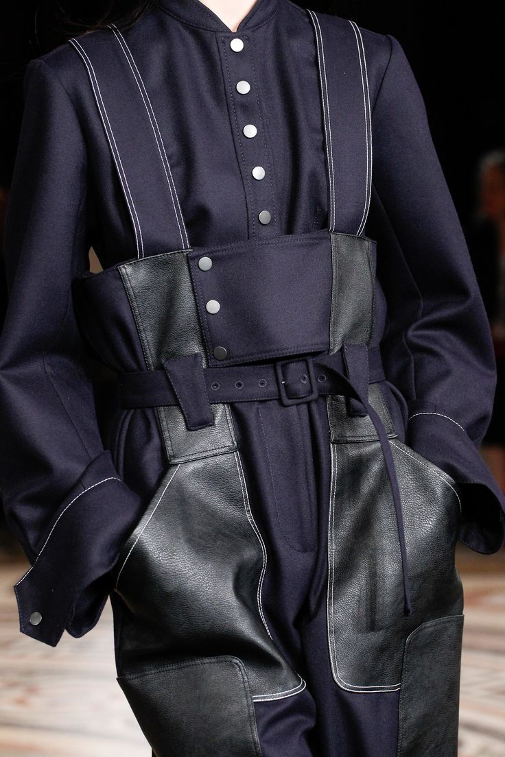 Stella McCartney Fall 2017 Ready-to-Wear Accessories Photos - Vogue