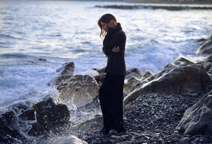 """""""Да будет сердце постоянно, Как будто берег океана, Оставшийся самим собою Средь вечных перемен прибоя...""""- Роберт Фрост.  Фото: Наталья Ванюшкина @ph_vanushkina"""