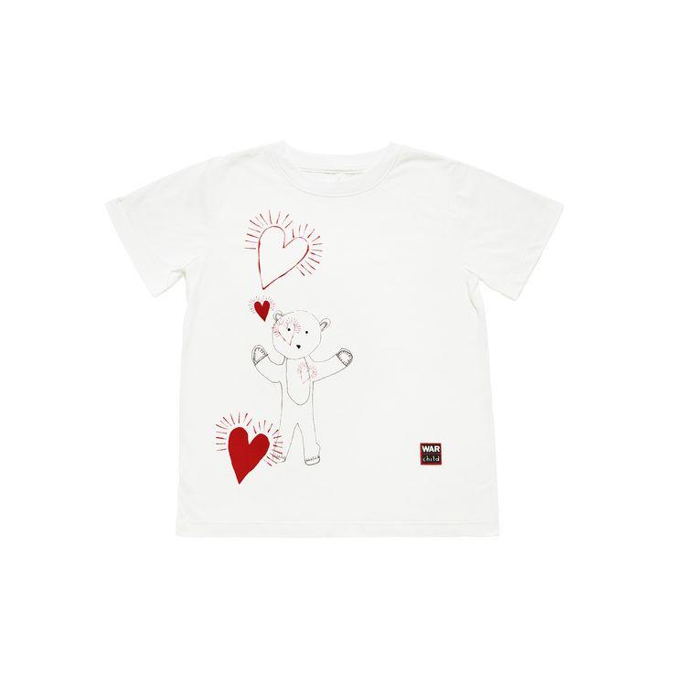 """Stella Mc Cartney: un disegno contro la guerra! - Stella McCartney crea una serie di t-shirt mamma e bambino in serie limitata per aiutare a proteggere i bambini che vivono in zone di guerra. Un messaggio di speranze e d'amore trasmesso grazie al progetto """"Draw Me To Safety"""" - Read full story here: http://www.fashiontimes.it/2015/03/stella-mc-cartney-un-disegno-contro-la-guerra/"""