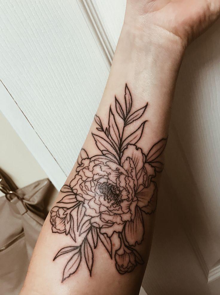Peonie Tattoo By Chaz @ Brass Knuckles Tattoo Shop in Minneapolis #peonietattoo #womenstattoo #simplicity #tattooed #flowertattoo #sleevetattoo