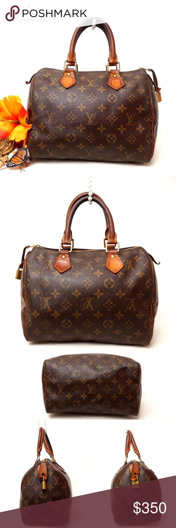 """AUTH LOUIS VUITTON SPEEDY 25 SATCHEL VINTAGE BAG Adorable LV SPEEDY. Preloved in very good vintage condition. Leather edges show some discoloration. Corners are in good condition. No rips stains. Key included. Inside has some stains. This is one of the most beautiful thing your closet will have. Size 10,5""""x7,5""""x6"""". Pet smoke free home.  AUTHENTIC-PATENT LEATHER -FAST SHIPPING!  ⏳My items sell fast. Get them before gone.⌛️Please see my other listings. Bundle & save.. I have over 200 different…"""