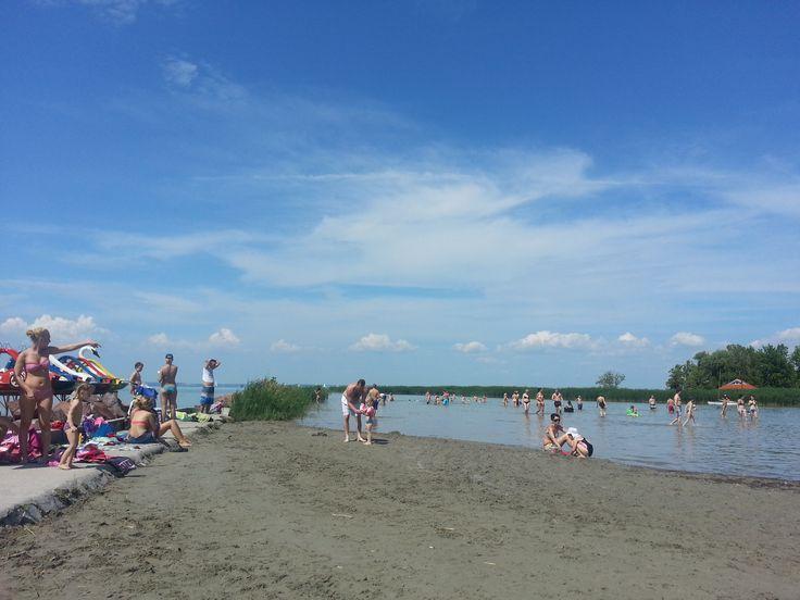 free sandy beach