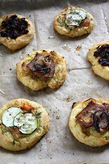 Pieczone placki z gotowanych ziemniaków (w 3 wersjach) | sio-smutki! Monika od kuchni