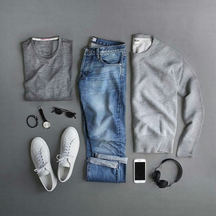 A casual sunday outfit where the washed pair of jeans, generally not so easy to wear well, fit seamlessly. By Phil Cohen