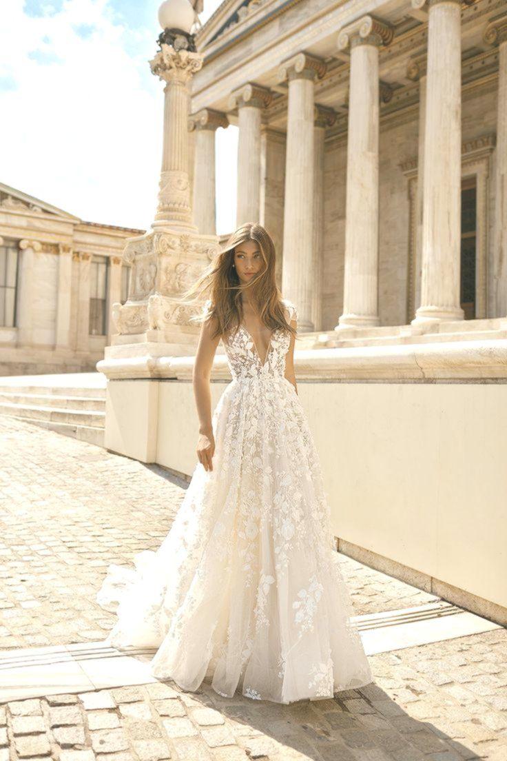 11 11 Berta Hochzeitskleid #Spitzenkleider  Hochzeitskleid