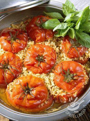 Pomodori ripieni al riso: una ricetta classica nel solco della cucina tradizionale del Belpaese. Genuina e gustosa, sana e semplicissima!