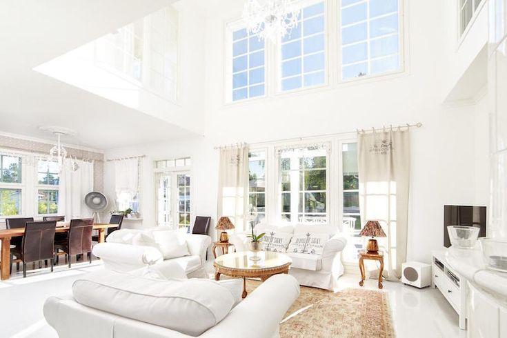 kannustalo-long-island-white-home-10