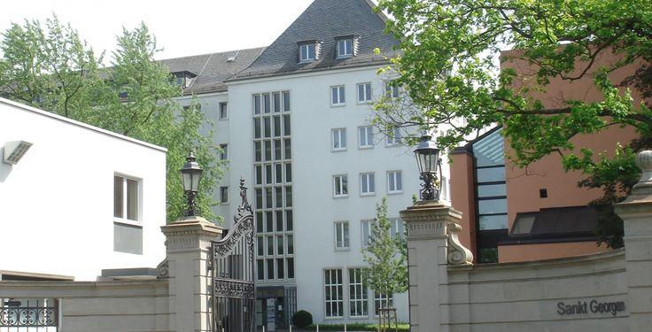 """Philosophisch-Theologische Hochschule Sankt Georgen Frankfurt am Main """"Sankt Georgen2"""" von User:Rupp.de - taken myself. Lizenziert unter CC BY-SA 3.0 über Wikimedia Commons."""
