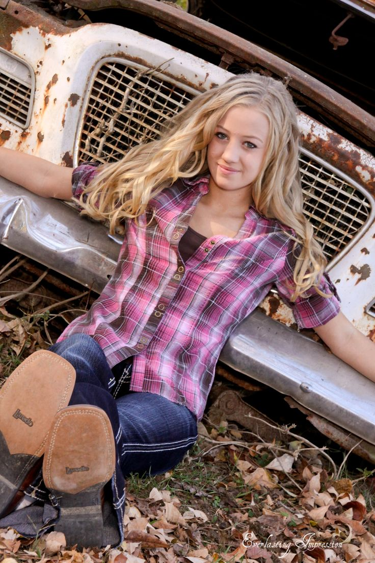 Senior Picture Ideas / old car or truck