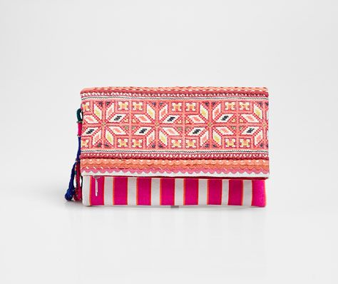 Striped clutch with embroidery detail - OYSHO