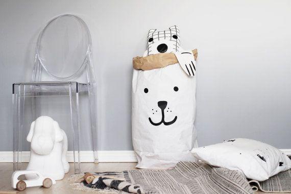 Hoi! Ik heb een geweldige listing gevonden op Etsy https://www.etsy.com/nl/listing/199254943/bear-paper-bag-storage-of-toys-books-or