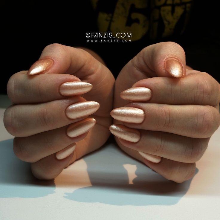 #gold #golden #exclusive #elegant #luxury #glamour #nails #fanzis