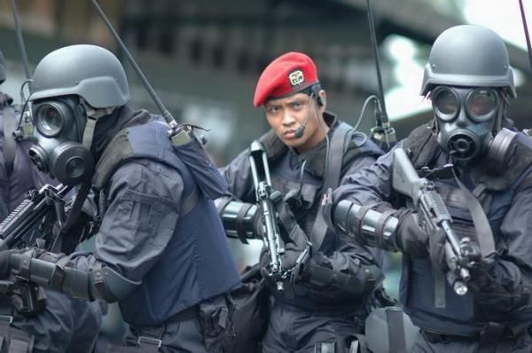 Red Barrets in action - Indonesian Army (Special Force)