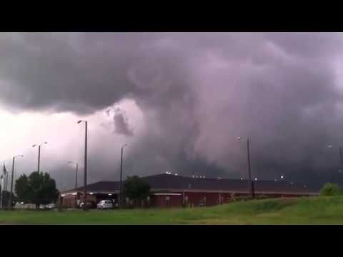 Tornado formation in Tulsa Oklahoma   May 30 2013