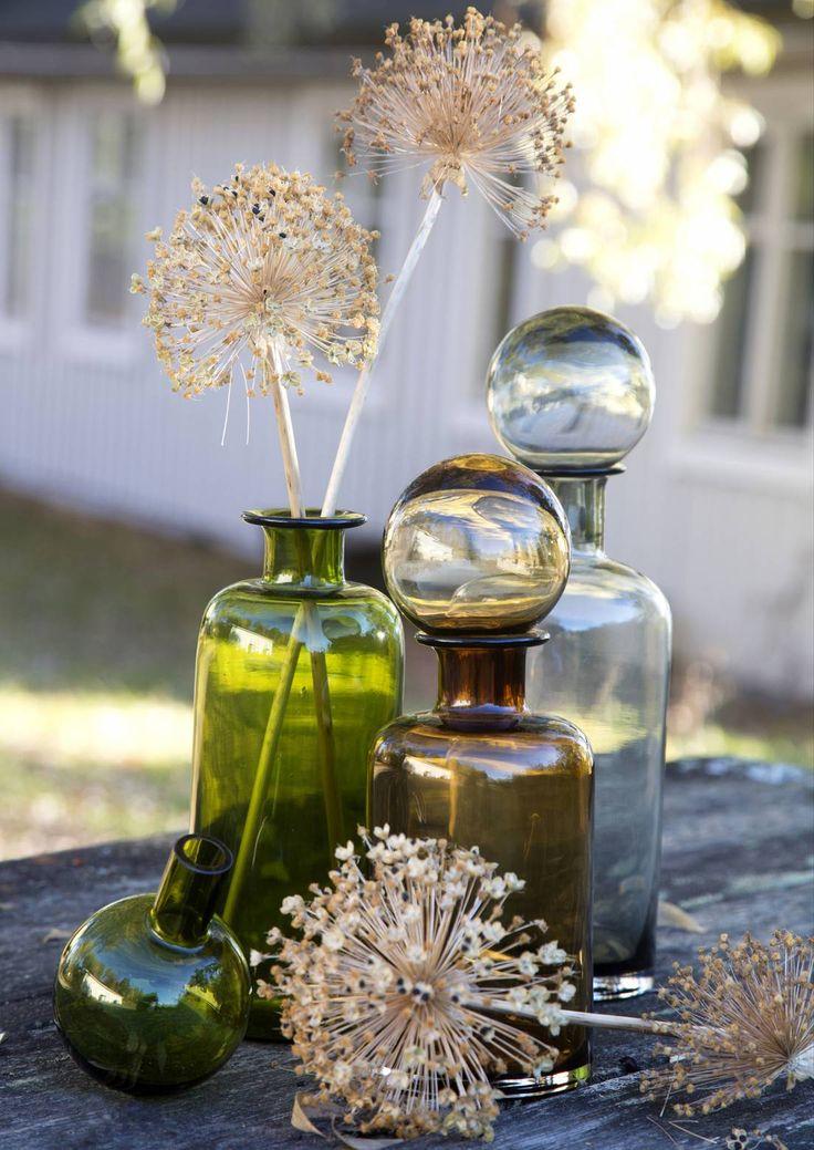 Loppuvuoden kimput ja asetelmat syntyvät kuivakukista, siemenkodista sekä oksista. Katso inspiroivat ideat pihaan ja terassille.