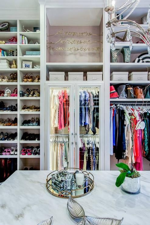 25-walk-in-closet-ideas - 59 walk-in-closet ideas to fulfill your and your clothes' dreams. You'll find much more amazing ideas @ glamshelf.com