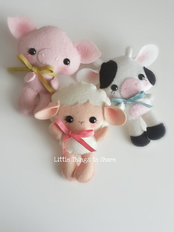 FARM BABIES - SET OF THREE (PDF)  These adorable FARM ANIMALS are quick, easy and fun to make, but also so versatile! You can make a lovely