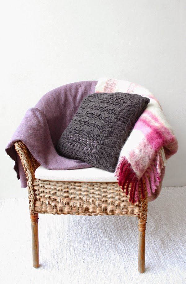 DIY: Turn an old cable knit into a cozy pillow