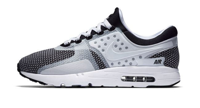 La Nike Air Max Zero n'en finit décidément plus de se décliner à toutes les sauces. Quitte à perdre son statut de  sneaker particulièrement inédite ?Il semblerait que la fameuse Air Max Zero ait vocation à se propager en masse sur ...