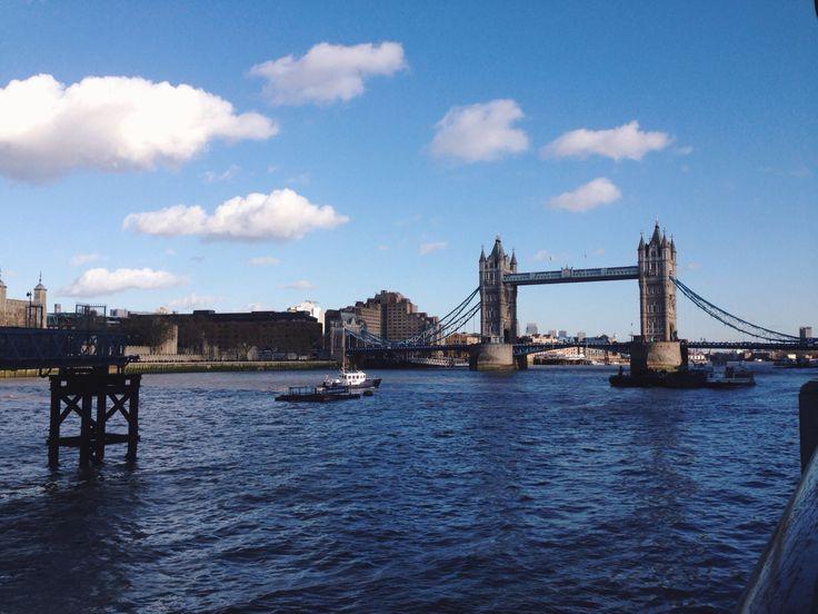 #NYU #London | The London Bridge is definitely NOT falling down...