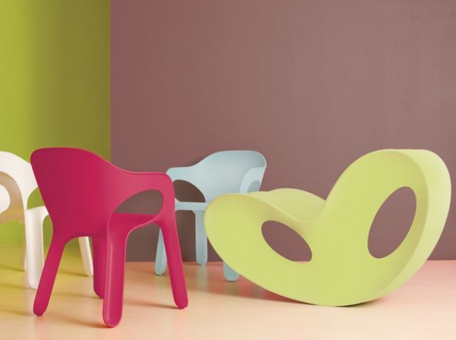 Les 25 meilleures id es concernant vieilles chaises sur pinterest choses cr atives chaise for Peindre chaise plastique