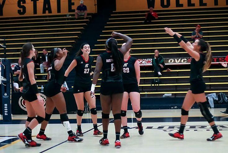 APSU Volleyball drops hard fought match to SIU Edwardsville