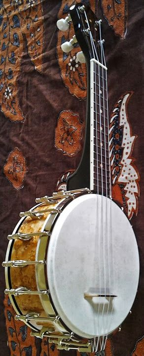Southern Cross Banjo Ukulele from New Zealand #LardysUkuleleOfTheDay ~ https://www.pinterest.com/lardyfatboy/lardys-ukulele-of-the-day/ ~
