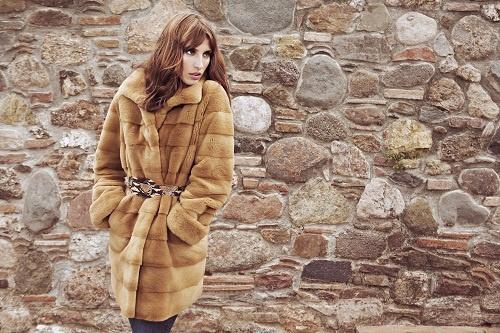 Precioso abrigo de Javier Simorra