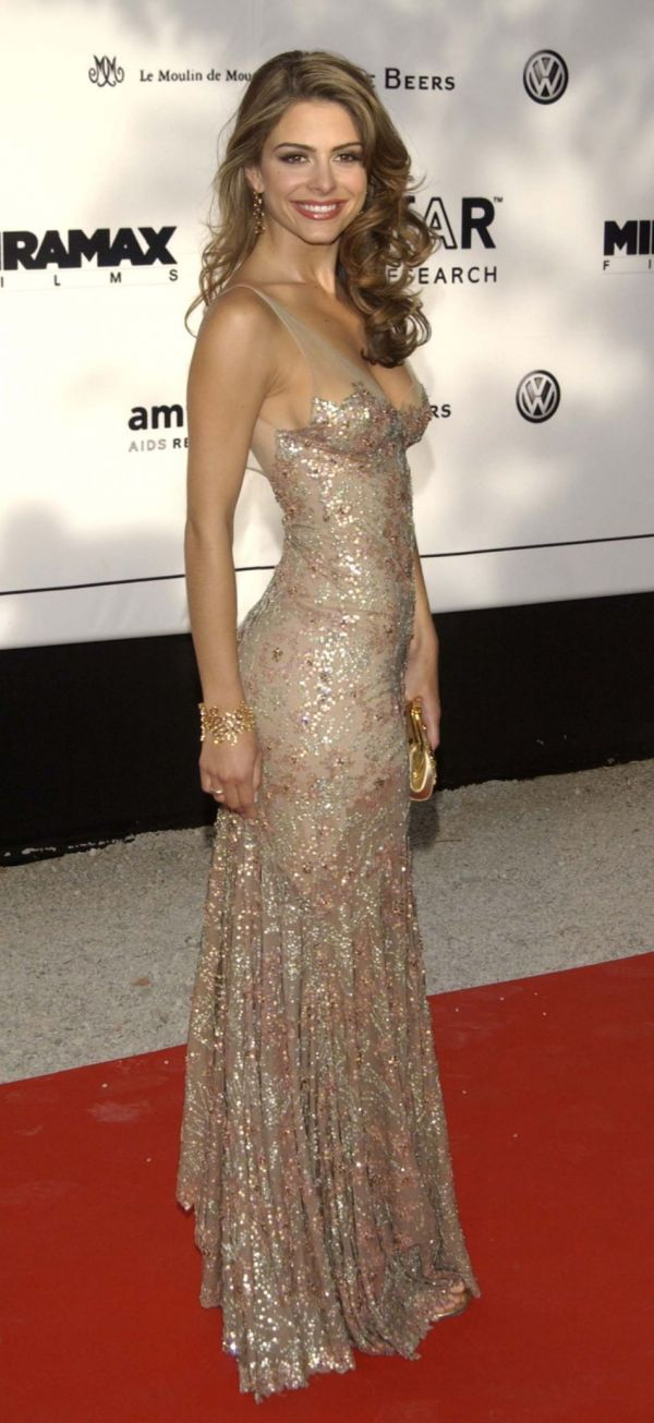 Maria Menounos. Beautiful dress but I'd never wear it lol.